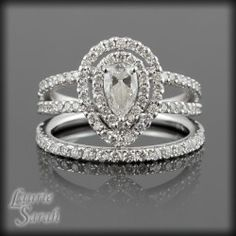 Loving this gorgeous Pear cut Diamond wedding set! Love this style but in a marquise cut diamond