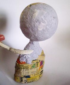 Aplique a massa de papel maché