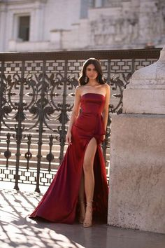 Carina - Sky Blue One-Shoulder Satin Gown with Slit & Cut-Out Detail Red Wedding Dresses, Gala Dresses, Satin Dresses, Elegant Dresses, Beautiful Dresses, Formal Dresses, Formal Prom, Red Dress Makeup, Prom Makeup