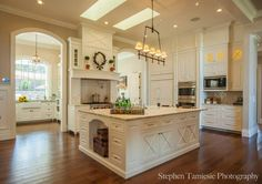 white marble kitchen. Oh goodness this is gorgeous and the layout is nice.