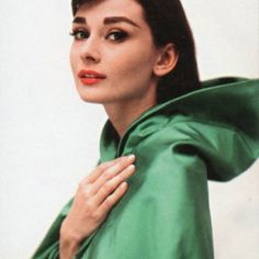 Audrey Hepburn with heavy 50s eyebrows