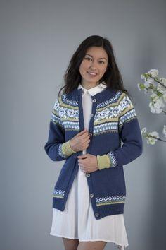 Tussa E-post :: Dette er strikkeprosjekt for deg! Cardigan Design, Fair Isle Knitting Patterns, Hosiery, Vikings, Stockings, Pullover, Jackets, Submissive, Women