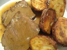 How to Make Gravy - Regular & Quick Supper Recipes, Delicious Dinner Recipes, Side Recipes, Real Food Recipes, Great Recipes, Yummy Food, Making Gravy, How To Make Gravy, Cooking 101