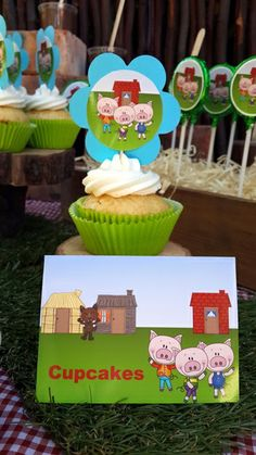 Three Little Pigs Picture Cupcakes