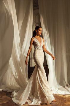 Εντυπωσιακο γοργονε νυφικο απο δαντελα κεντημενη. Νυφικα αθηνα Bridal Stores, Maid Dress, Bridal Lace, Couture Collection, Beautiful Bride, Bridal Dresses, Wedding Styles, Bridesmaid, Formal Dresses