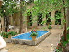 Iranian old House Beautiful Pools, Beautiful Places, Persian Decor, Spool Pool, Iran Pictures, Persian Architecture, Freer Gallery, Courtyard Pool, Persian Garden