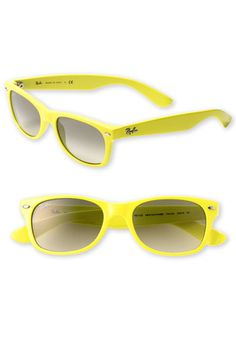 Aaaaaa, I've found YELLOW Ray-Ban )))  Want these sunglasses. Yellow-mania in this year.  :)