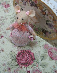 Primrose Sweetest pincushion mouse doll