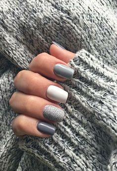 Spring Nails and Colors For 2019 Elegante Lila Glitter Sarg Nägel Inspirationen + Tipps – Seite 4 – Chic C – Beauty-Tipps, You can collect images you discovered organize them, add your own ideas to your collections and share with other people. Cute Acrylic Nails, Cute Nails, Pretty Nails, Gel Nails, Nail Polish, Nail Nail, Short Square Nails, Short Nails, Winter Nails
