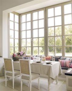 breakfast nook built-in banquette white glass paned windows Modern Kitchen Design, Interior Design Kitchen, Kitchen Decor, Kitchen Seating, Kitchen Nook, Interior Modern, Kitchen Designs, Interior Decorating, Dining Room Design