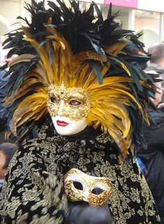 Remiremont - Carnaval Venetian I have a very similar mask in black and red feathers
