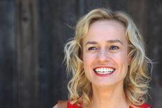 """Sandrine Bonnaire tourne actuellement pour France 3 un téléfilm """"les filles du Plessis"""" ou l'histoire d'une maison qui accueille des jeunes filles mineures, enceintes.Un mot d'ordre : remettre ces jeunes filles dans le droit chemin mais le jour où la..."""
