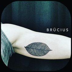 #BRÜCIUS #TATTOO #SanFrancisco #brucius #natural #science #engraving #etching #sculptoroflines #dotwork #blackworkartist #blackwork #penandink #lines #nature #onlyblackart #lineworktattoo #skeleton #leaf