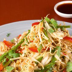 Aasialainen uuden vuoden salaatti Vegan Recipes, Vegan Food, Spaghetti, Mad, Low Carb, Ethnic Recipes, Deep Fried Tofu, Shirataki Noodles, Pasta Meals