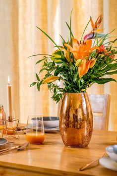 Decorează-ți căminul cu bun gust și optează pentru accesorii care mizează pe un design extravagant! Modern Decor, Glass Vase, Design, Home Decor, Decoration Home, Room Decor, Home Interior Design, Home Decoration