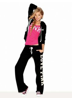Love the PINK tee with the PINK sweats. This is the exact PINK sweat outfit I want! And a great pic too :) Sport Outfits, Casual Outfits, Cute Outfits, Swag Outfits, Sweats Outfit, Victoria Secret Outfits, Relaxed Outfit, Site Nike, Casual Fall