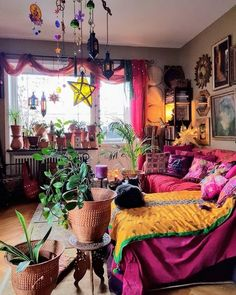 Boho bedroom decor hippie bohemian style plants 36 - Eclectic Home Decor Hippie Bedroom Decor, Bohemian Bedroom Design, Indie Room Decor, Aesthetic Room Decor, Bohemian Decorating, Hippie Apartment Decor, Bohemian Interior, Hippie House Decor, Bedroom Designs