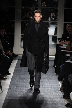Joseph Abboud Fall 2018 Menswear collection, runway looks, beauty, models, and reviews.