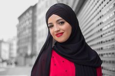 Inci - instagram.com/huseyintoprak.com.tr  #hijab #beauty #fashion #hijabfashion #girl #female #red #eyes