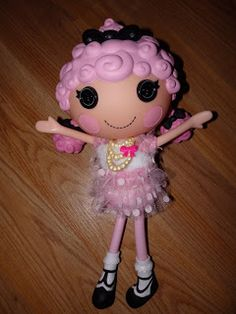 New Age Mama: Holiday Gift Guide -Lalaloopsy Cherie Prim N Proper - #Giveaway