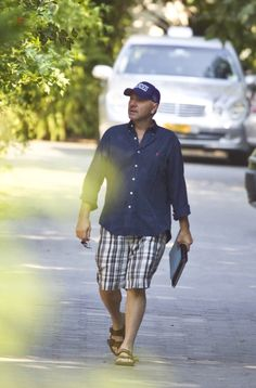 Kevin Spacey — chasingspacey:   Kevin Spacey strolling in...