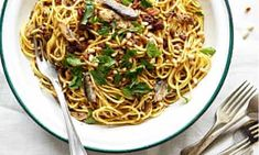 Sicilian sardine pasta and other ideas for whipping up tasty meals with tinned food Tinned Sardines Recipe, Sardine Pasta Recipe, Sardine Recipes, Bean Recipes, Fish Recipes, Pasta Recipes, Cooking Recipes, Recipies, How To Eat Sardines