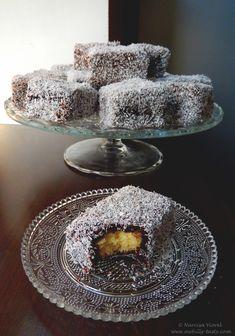 Prăjitură tăvălită – Lamingtons | Awfully Tasty