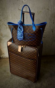 Women Fashion Style New Collection For Louis Vuitton Handbags, LV Bags to Have Louis Vuitton Handbags, Purses And Handbags, Tote Handbags, Burberry Handbags, Louis Vuitton Monogram, Zapatillas Louis Vuitton, Sacs Louis Vuiton, Lv Bags, Vuitton Bag