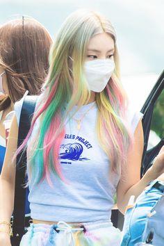 "Ain't your fault on Twitter: ""200818  #예지   #YEJI   #ITZY   #있지  … "" Kpop Girl Groups, Kpop Girls, Korean Girl, Asian Girl, Hair Streaks, Grunge Hair, Ulzzang Girl, Role Models, Girl Power"