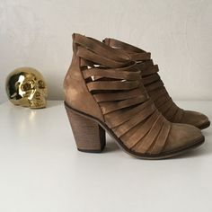 """Free People """"Hybrid Heel Boot"""" in tan These boots are so on trend and perfect with boyfriend or skinny jeans! The worn-in look is inherent, I have only worn them one time. Purchased new, in store by me. Free People Shoes Ankle Boots & Booties"""