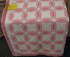 Well I just have to make a pink and white quilt ... | Two Color QUILTS
