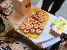 Biscotti apocalittici con glassa rosa alla fragola :-)