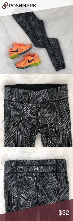 "Under Armour Full Length Leggings {CP} Black, gray, and white printed full length leggings.  Has hidden waistband pocket for keys or cards.  Love pairing prints like this with bright neon colors!  Measurements laying flat Waist: 13.75"" Hip: 15.25"" Inseam: 29"" Rise: 9""  Condition—Excellent Under Armour Pants Leggings"