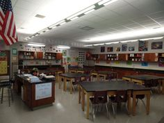Middle School Science Classroom decorations. Table layouts and wall decor.  theardentteacher.com