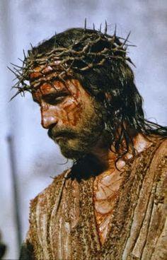 JEZUS en MARIA Groep.: GOEDE VRIJDAG: JEZUS GEGESELD.JEZUS MET DOORNEN GEKROOND