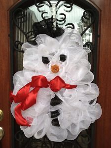 Snowman Christmas Deco Mesh Wreath With A Red Bow