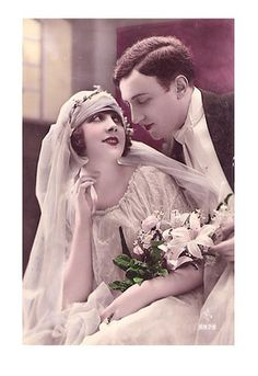 Bride's Weight Loss Antique Wedding Dresses, Vintage Wedding Photos, Vintage Bridal, Wedding Pics, Vintage Weddings, Romance Vintage, Vintage Love, Vintage Beauty, Old Fashioned Wedding