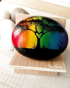 A Pride heart tree painted rock to celebrate Pride Week. : A Pride heart tree painted rock to celebrate Pride Week. Pebble Painting, Pebble Art, Stone Painting, Diy Painting, Beginner Painting, Shell Painting, Rock Painting Patterns, Rock Painting Ideas Easy, Rock Painting Designs