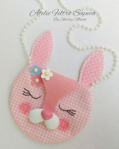 Felt bunny bag with mold as I do, hard work … – Baby Supplies Felt Crafts Kids, Diy Crafts For Kids, Easter Crafts, Cute Sewing Projects, Bunny Bags, Diy Bags Purses, Felt Bunny, Side Bags, Baby Kind