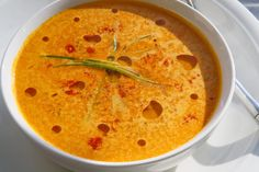 Spicy Raw Vegan Carrot Soup!  htttp://www.beautiful-vegan.com/2009/03/spicy-raw-vegan-soup.html