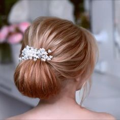Glam Updo Styles For Wedding! Do you wanna see more fab hairstyle ideas and tips for your wedding? Then, just visit our web site babe! Up Hairstyles, Wedding Hairstyles, Hairstyle Ideas, Style Hairstyle, Perfect Hairstyle, Bangs Hairstyle, Updo Styles, Curly Hair Styles, Hair Upstyles