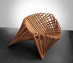 オランダ人デザイナーのRobert Van Embricqs氏がデザインしたテーブルRising Tableは、1枚のフラットな板がダイニングテーブルに変身します_4