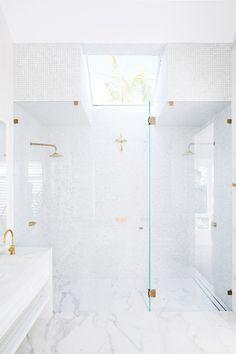Three Birds Renovations on being creative with tiles - The Interiors Addict Coastal Bedrooms, Coastal Living Rooms, Modern Bathroom Design, Bathroom Interior Design, Bathroom Designs, Design Kitchen, Kitchen Interior, Bathroom Renovations, Home Renovation