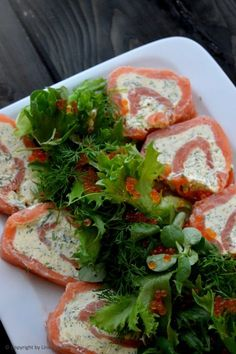Foodlicious OPSKRIFTER & INSPIRATION TIL GOD HVERDAGSMAD Tapas Recipes, Healthy Salad Recipes, Food N, Food And Drink, Marijuana Recipes, Danish Food, Always Hungry, Fish And Seafood, Frisk