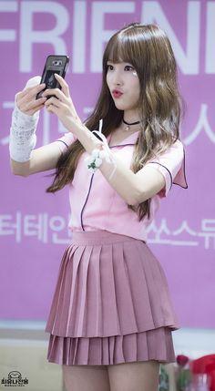Kpop Girl Groups, Korean Girl Groups, Kpop Girls, Gfriend Yuju, Gfriend Sowon, Extended Play, K Pop, Entertainment, G Friend