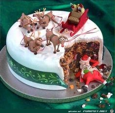Ha ha ha - a great way to break into the Christmas cake before Christmas Day :-( (Best Christmas Food) Christmas Cake Decorations, Christmas Sweets, Holiday Cakes, Christmas Cooking, Noel Christmas, Christmas Goodies, Christmas Humor, Christmas Cakes, Xmas Cakes