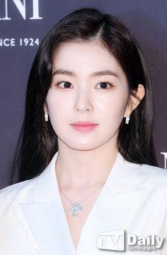 Blush Makeup, Beauty Makeup, Hair Makeup, Fresh Face Makeup, Korean Makeup Look, Just Beauty, Red Velvet Irene, Cosmic Girls, Without Makeup