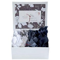 Lollia In Love Classic Petal Sea Salt Sachet Gift Set. #laylagrayce #valentinesday #gifts $28.00
