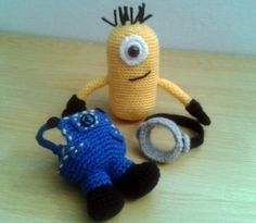 Amigurumi Minion - Carrie check this out!