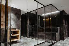 Dampfbadverglasung und Saunaverglasungen. Einzigartige Ganzglaslösungen mit schwarzen Profilen. Das von uns entwickelte Ganzglassystem lässt keine Ansprüche offen. Unsere Ganzglaslösung bietet eine angenehme, zeitlose und edle Optik die sich in jedes Badezimmer integriert.  Wir helfen Ihnen mit unseren schlanken Glaslösungen ihren Wellnessbereich in eine Wohlfühloase umzuwandeln. Damit Sie in hektischen Zeiten neue Kraft für Körper und Seele tanken können. Sauna, Divider, Wellness, Room, Furniture, Home Decor, Glass Building, Steam Bath, Bathrooms